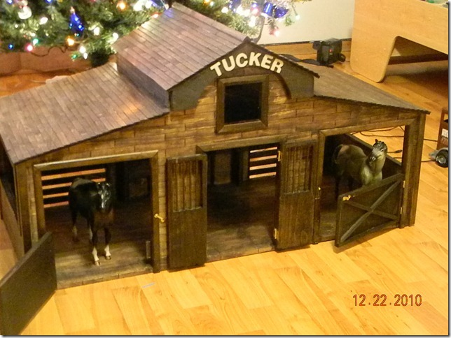 Breyer Horse Barn Ideas Build this horse stable for your lil riders!