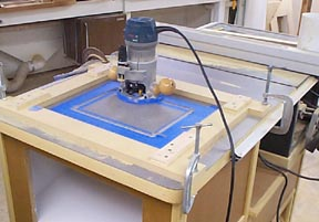 How to install your router in your router table ok now grab that router and plunge it into your router tableve in a slow but steady pace in a clockwise direction dont go too slow or youll burn greentooth Image collections
